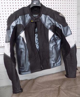 Frank Thomas leather bikers jacket in size 40