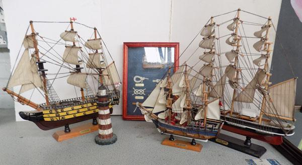 3 model ships and nautical items