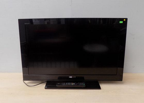Sony flat screen TV and remote in working order