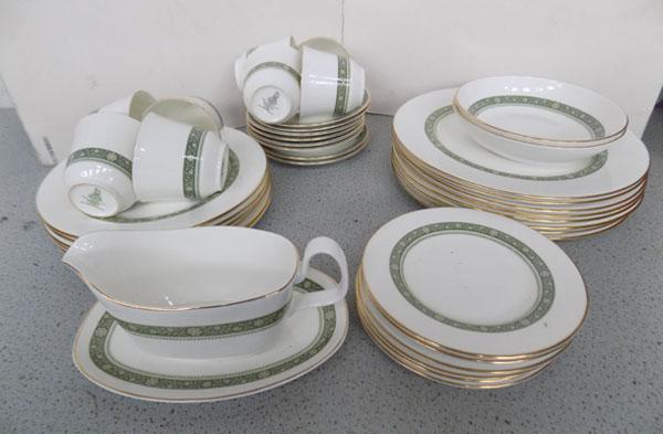 Royal Doulton 'Rondelay' dinner service