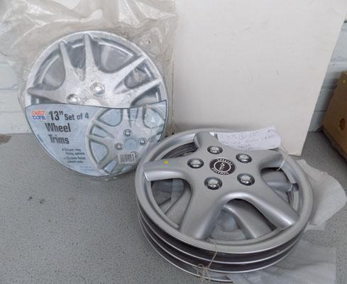 "2 sets of wheeltrim 13"" (universal fit)"