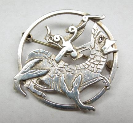 Scottish Celtic design silver brooch Malcolm Grey