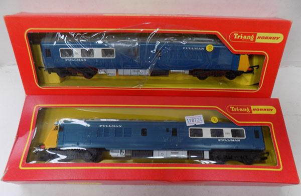 "Hornby ""OO"" gauge 2 x Pullman carriages"