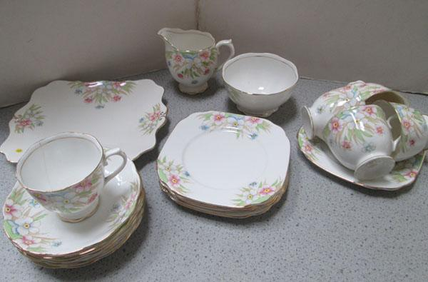 Royal Albert floral pattern coffee set - 20 piece