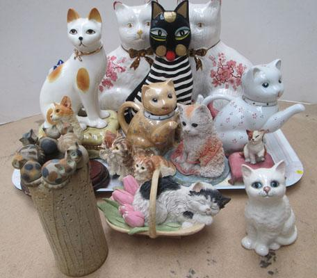 Tray of assorted ceramic cats