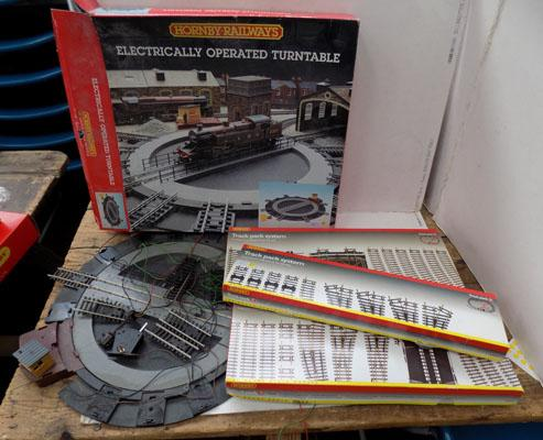"Hornby ""OO"" gauge track + turntable"