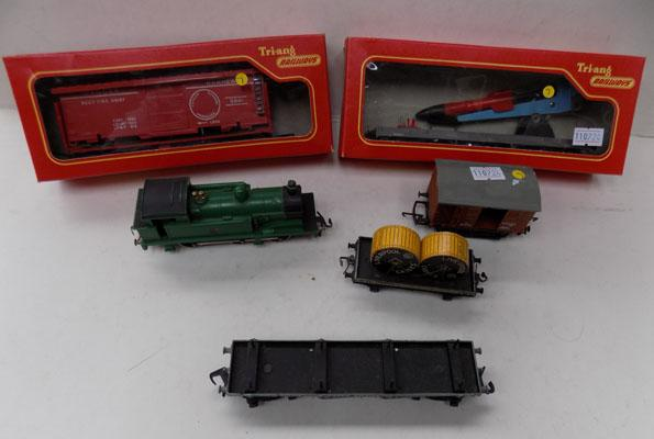 "Hornby ""OO"" gauge collection of vintage trains + accessories"
