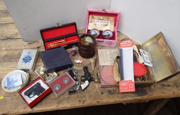Selection of vintage collectables