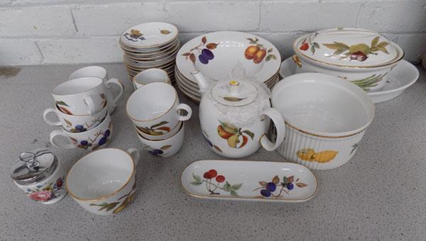 Collection of royal Worcester 'Evesham'