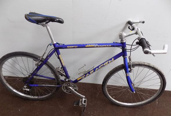 "Saracen Terra Trax blue 26"" rigid 21 gears bike"
