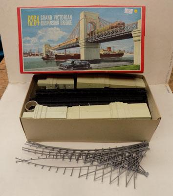 "Hornby ""OO"" gauge R264 Grand Victorian suspension bridge"