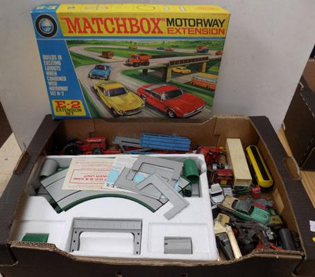 Box of Matchbox/Dinky/Corgi/Lesney