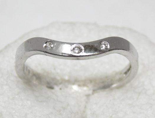 9ct white gold 3 diamond wishbone ring