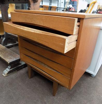 Wooden 6 small drawer unit