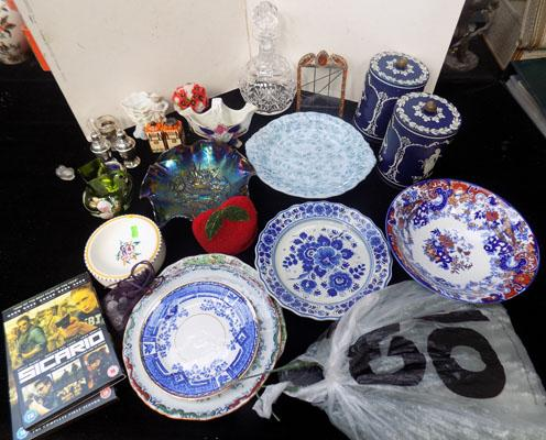 Box of mixed collectables inc Poole