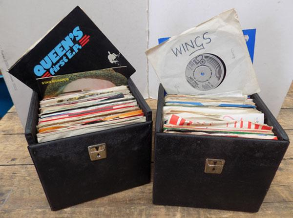 2 cases of vintage singles 1980/90's