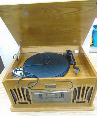 Reproduction record player/cd/tape deck in working order