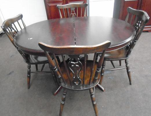 Oval table + 4 chairs