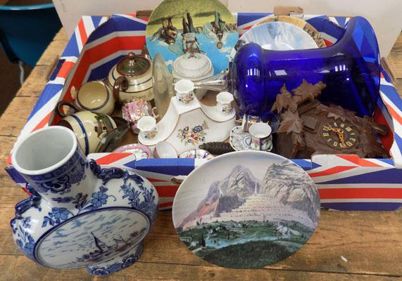 Quality box of bric-a-brac collectables