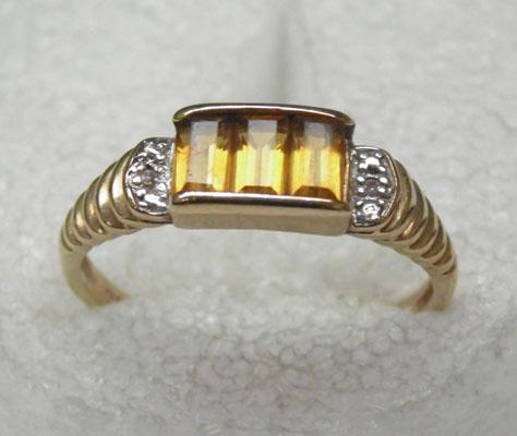 9ct gold baguette cut citrine and diamond ring