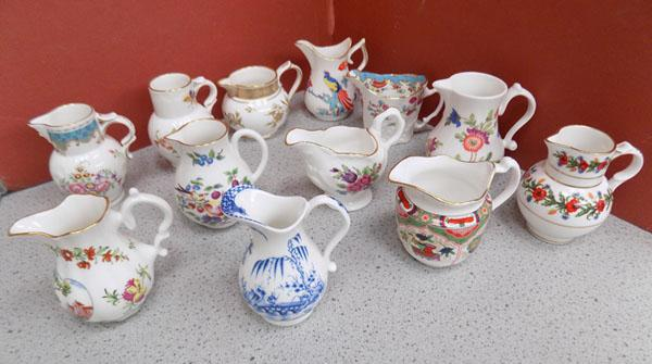 Tray of 12 Royal Worcester cream jugs