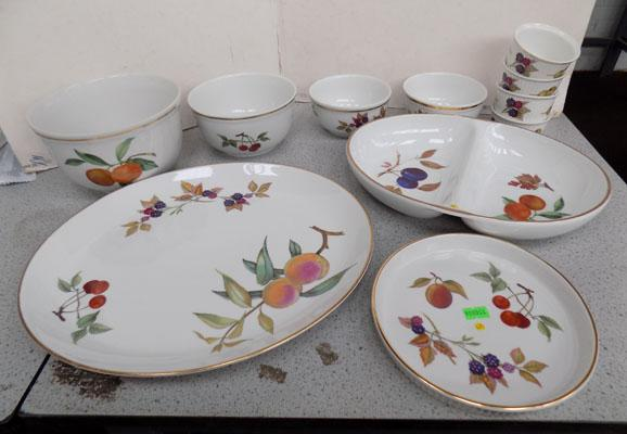 Royal Worcester Evesham collection