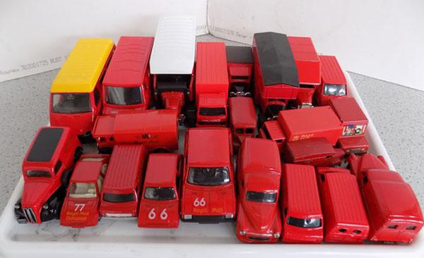 Tray of Corgi/Matchbox etc. Royal Mail vans/cars