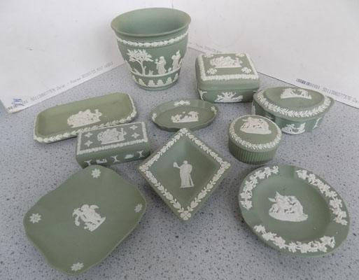 Tray of Wedgwood trinket boxes/pin trays etc.
