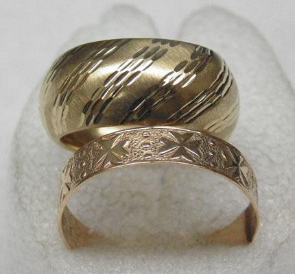 2 9ct gold broad band wedding rings