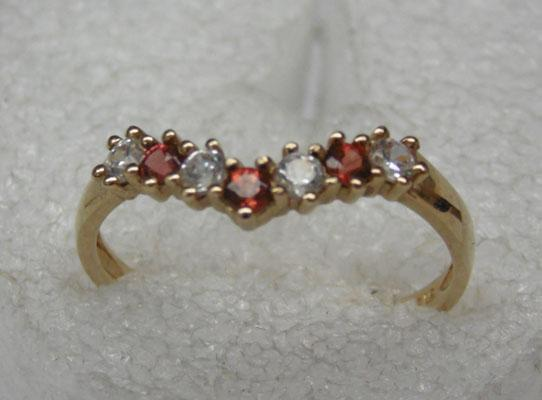 9ct gold garnet wishbone ring
