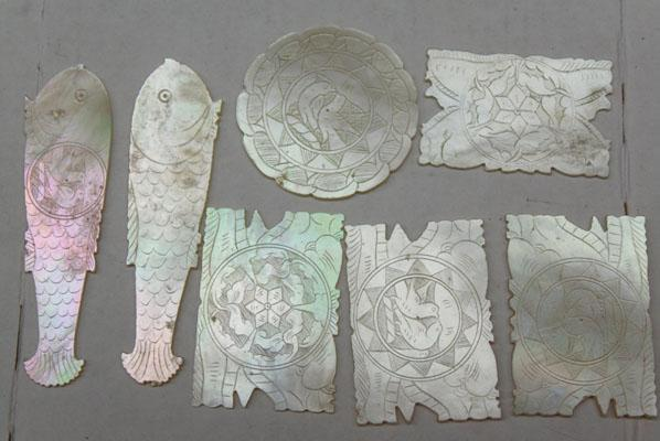 7 mother of pearl antique Chinese gaming markers/tokens