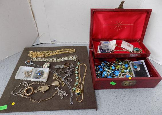 Jewellery box, tray of costume jewellery, beads etc