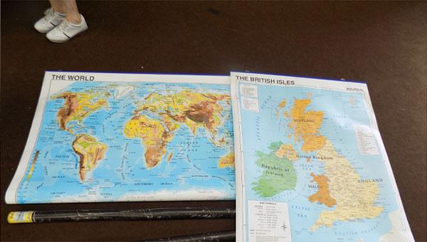 2 wall maps - British Isles/World