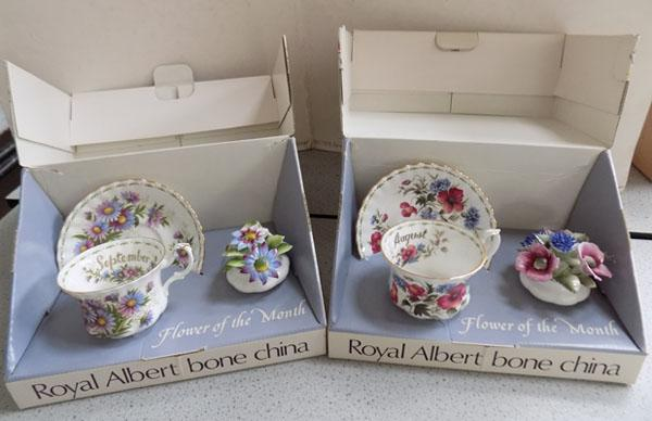 Royal Albert boxed collection flowers of the month August/Sept