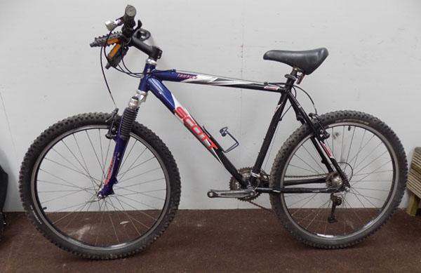 "Scott Tampico black/blue 26"" hardtail 24 gears bike"