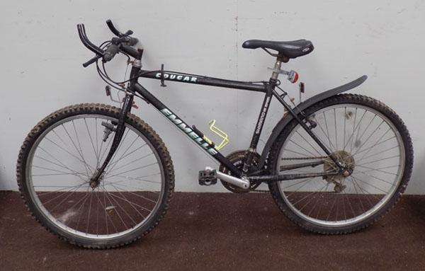 "Emmelle Cougar black 26"" rigid 18 gears bike"