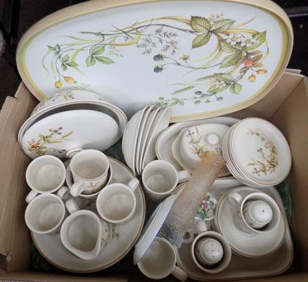 Box of Harvest M&S/Coalport plate/Royal Doulton