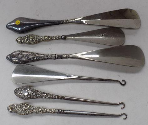 Assorted shoe horns/boot/button hooks - silver + white metal