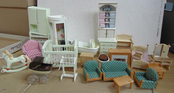 Assorted painted pine & plastic doll's house furniture