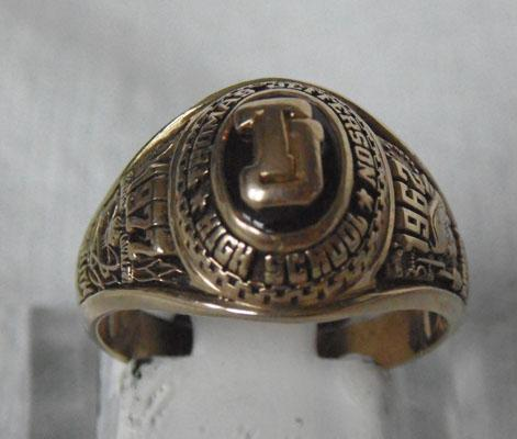 10ct gold collage ring 1962-1977 Thomas Jefferson High School