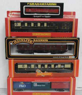 Hornby OO coaching Freight Liner Wagon, Palitoy parcels Van OO, Graham Farish Coach