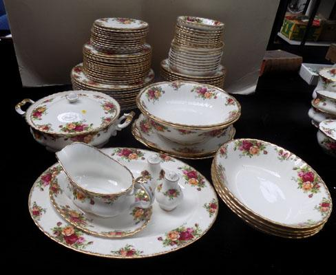 Royal Albert Country Rose large dinner service