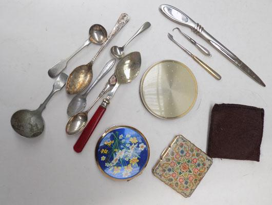 Mixed collectables including Stratton compacts