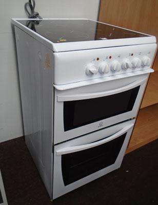 Electric cooker in working order