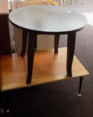 2 occasional tables