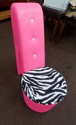 Pink novelty shoe chair