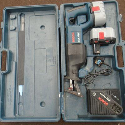 Bosch 18v reciperator saw/2 batts/charger in working order