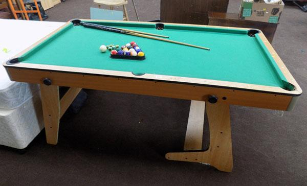 6ft home pool table + cue/balls