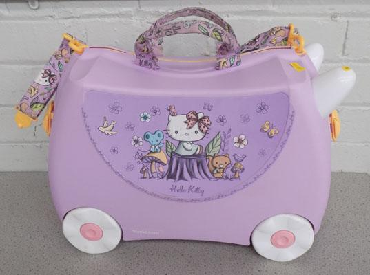 Hello Kitty trunki ride on suitcase complete
