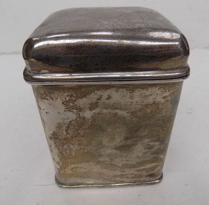 Chester silver caddy